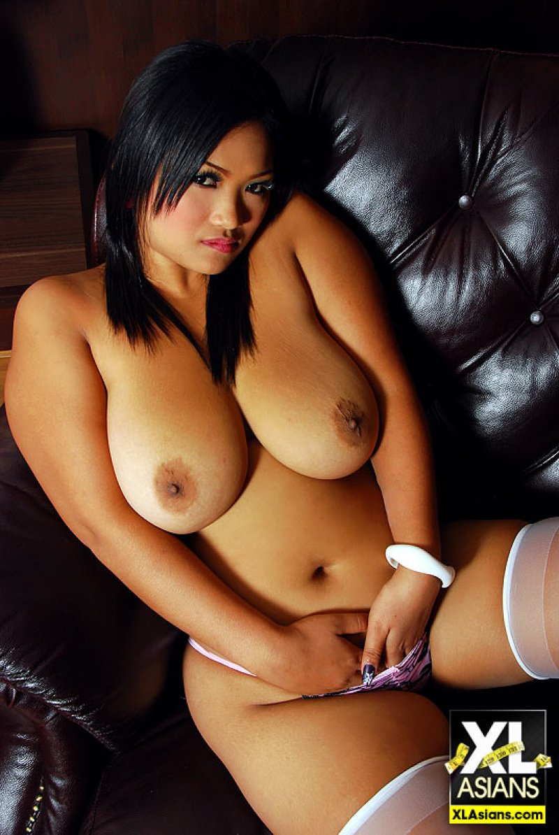thai girls big boobs nude